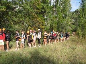 escolares de ruta hacia el barranco de la peonera
