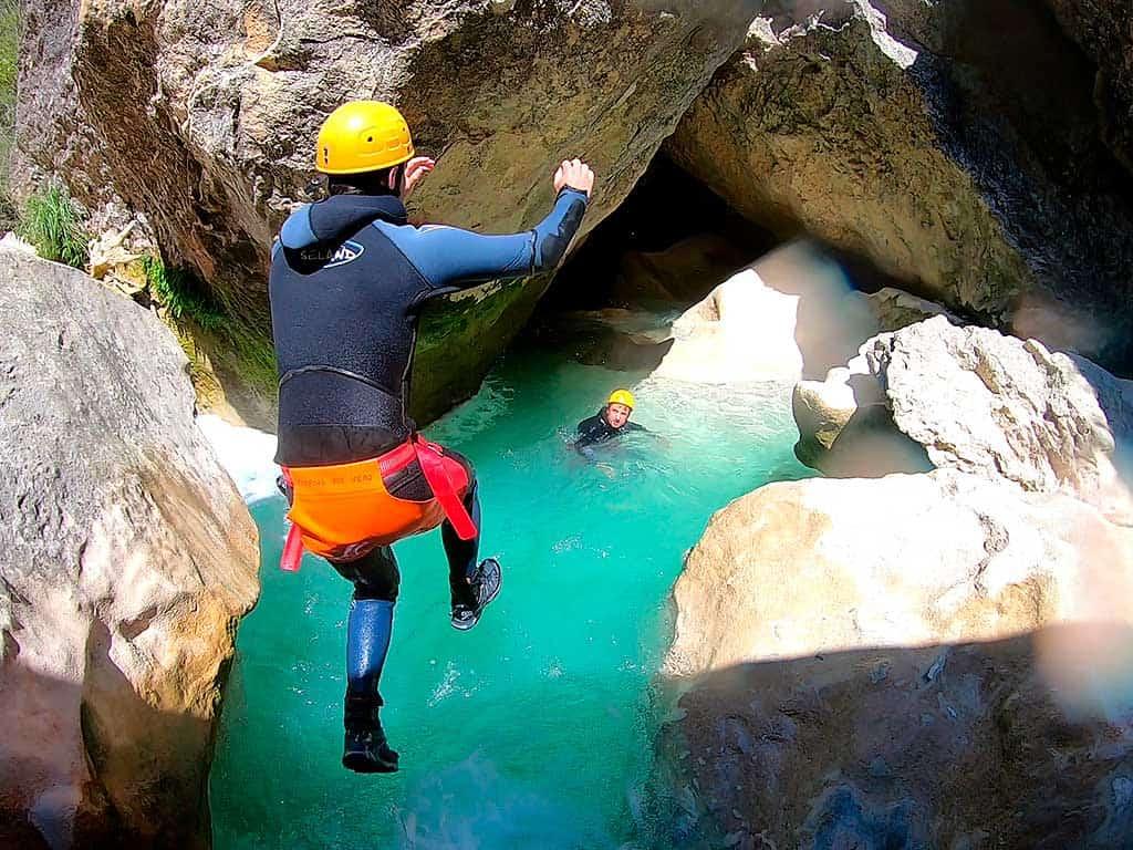 Rumbo Aventura Barranquismo Sierra de Guara I Canyoning I Via Ferrata I Escalada